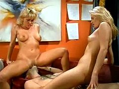 Two gorgeous blonde nymphs pleasing lucky guy