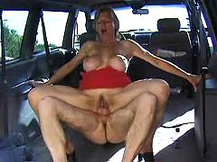 Mature blonde fucking in a car and getting facial